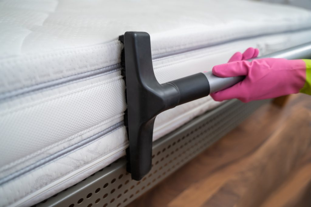Cleaning - Vacuuming matress
